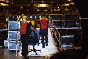 150 Maxnomic-Gaming-Seats were brought into the Cologne Lanxess-Arena by the DHL staff. [Photo: DHL]