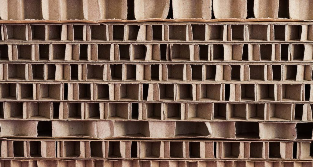 Cardboard as a material for pallets is inexpensive and easily recyclable. However, durability is not one of its strengths.